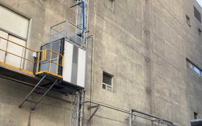 Arriservice termina la instalación de montacargas de 500 Kg en AES Angamos